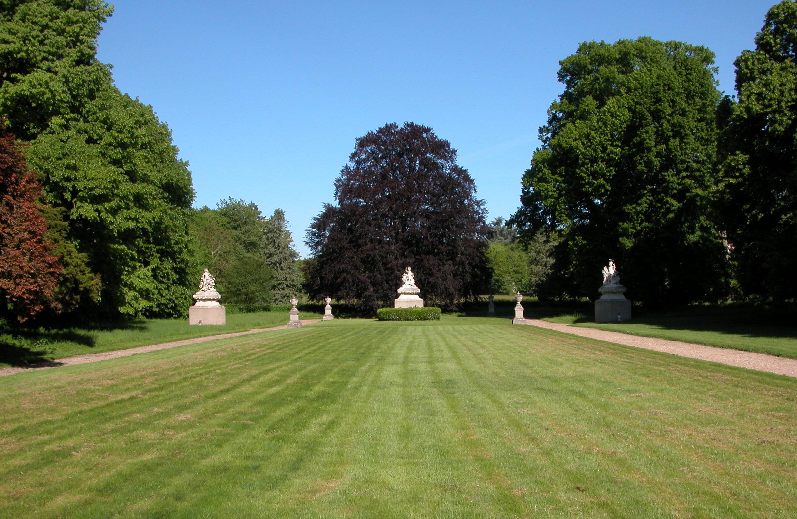 Jardin Classique À La Française parc et jardin du château de chevilly | parcs et jardins en