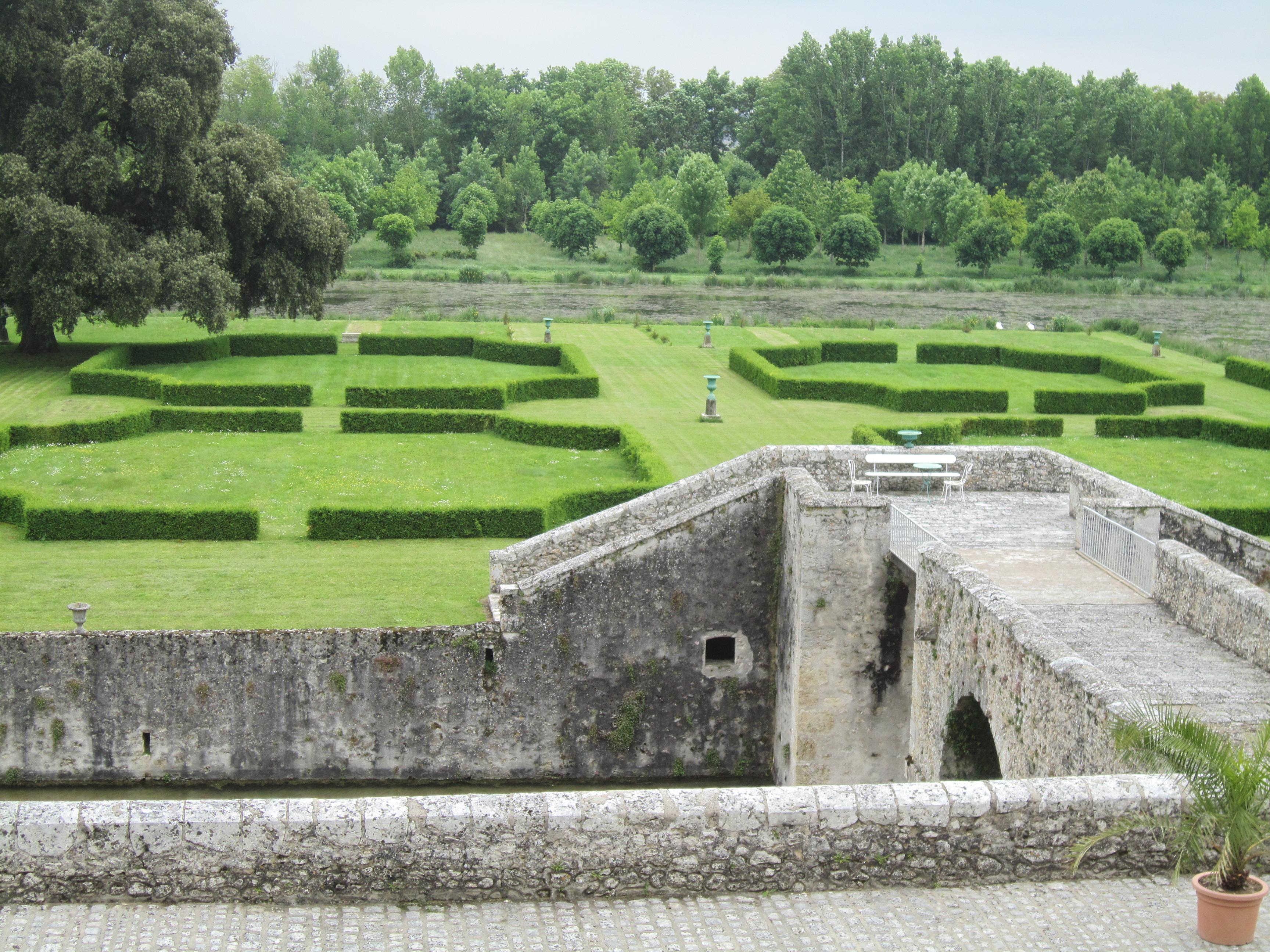 Parc et jardins du ch teau de saint denis sur loire for Parc et jardin
