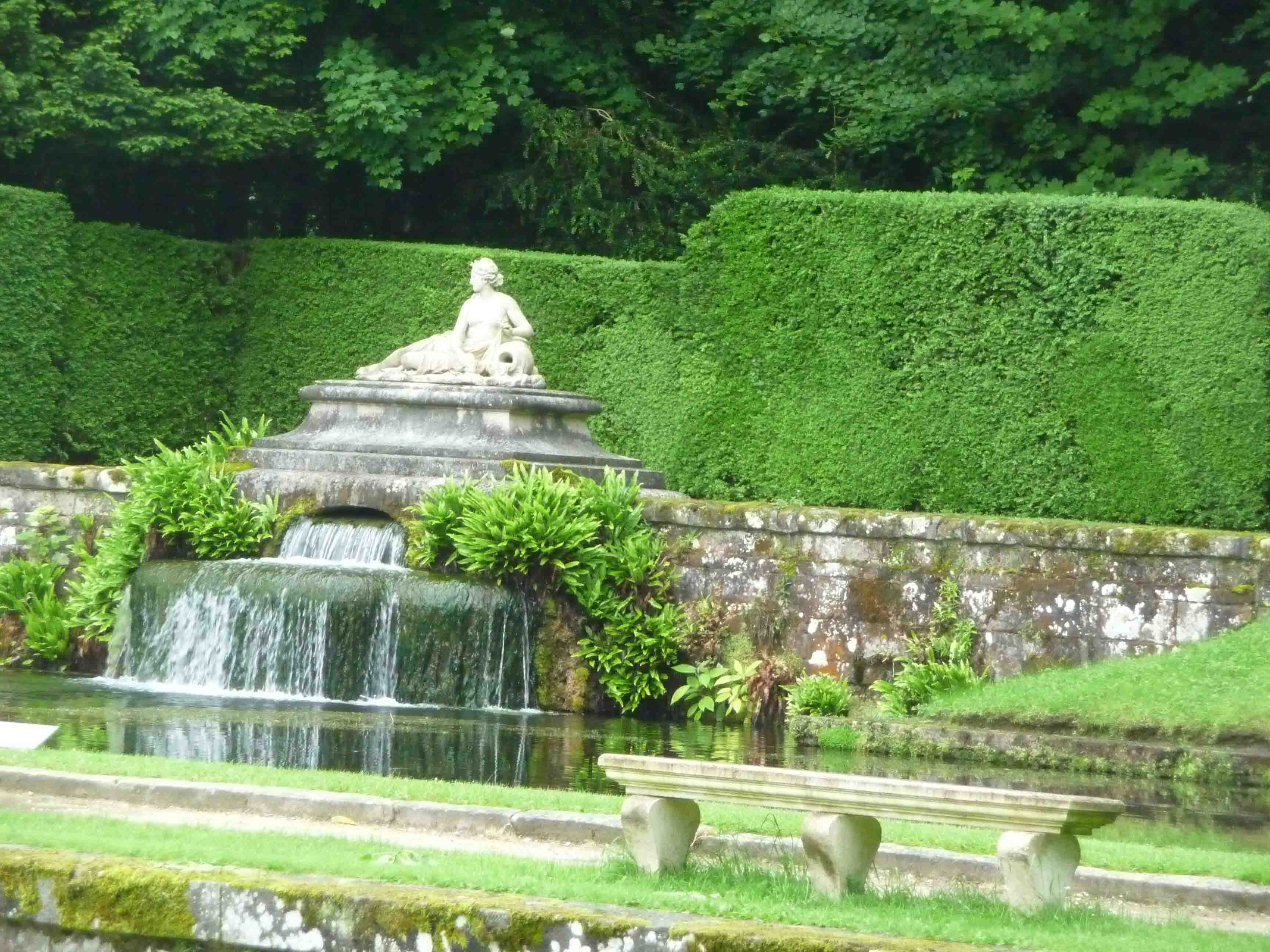 Belle vive le jardin bernay sabakunohana for Vive le jardin montaigu